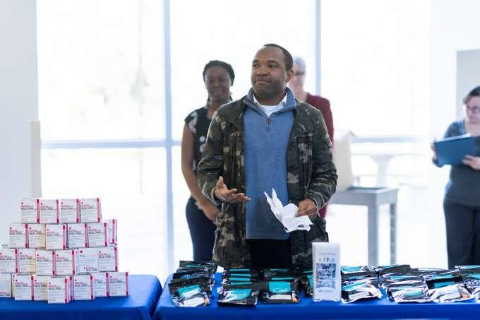 Ayodeji Otufowora presents the Deterra bag samples.